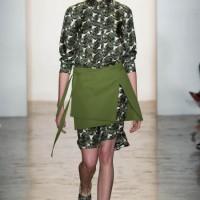 Юбка поверх платья: интересные идеи от итальянских стилистов