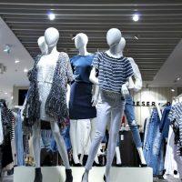 Где открыть магазин одежды: выбираем место