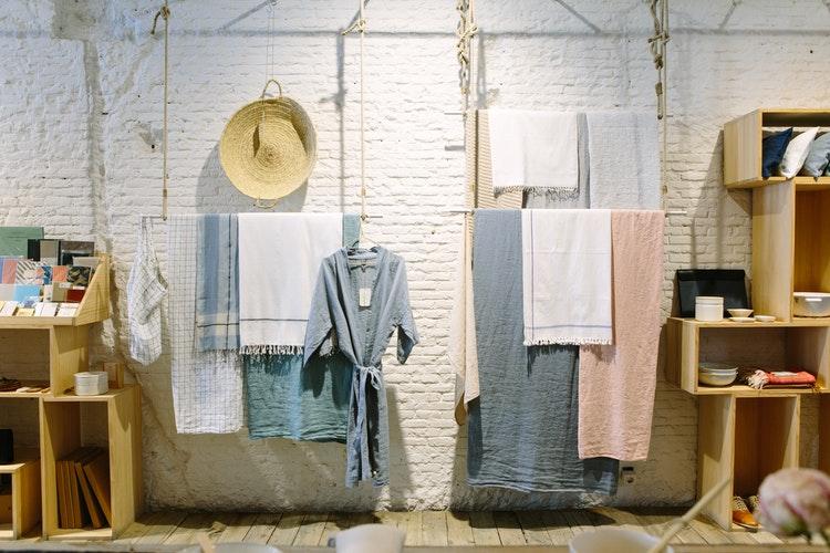 мерчендайзинг в магазине одежды