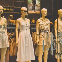 Как продвигать магазин одежды: услуга консультанта по стилю