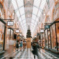 Как повысить продажи в магазине одежды в декабре