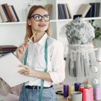 Сколько коллекций одежды должен делать дизайнер
